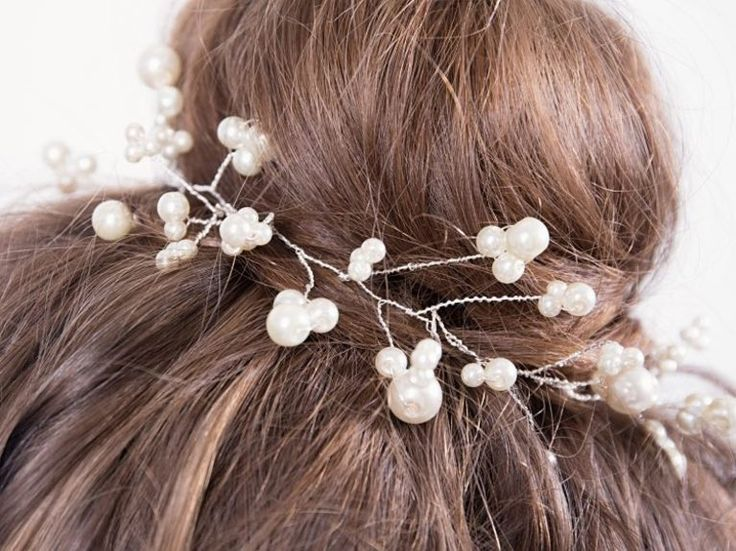 DIY tutorial: How to Make Pearl Hair Accessories via en.DaWanda.com