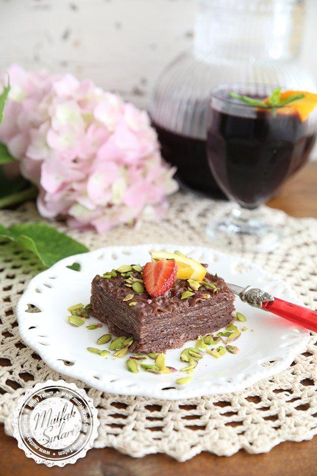 Turkish sweets / Çikolata Pudingli Güllaç