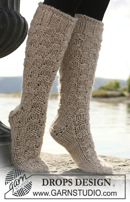 "Long DROPS socks in ""Eskimo"" with diamond pattern. ~ DROPS Design"