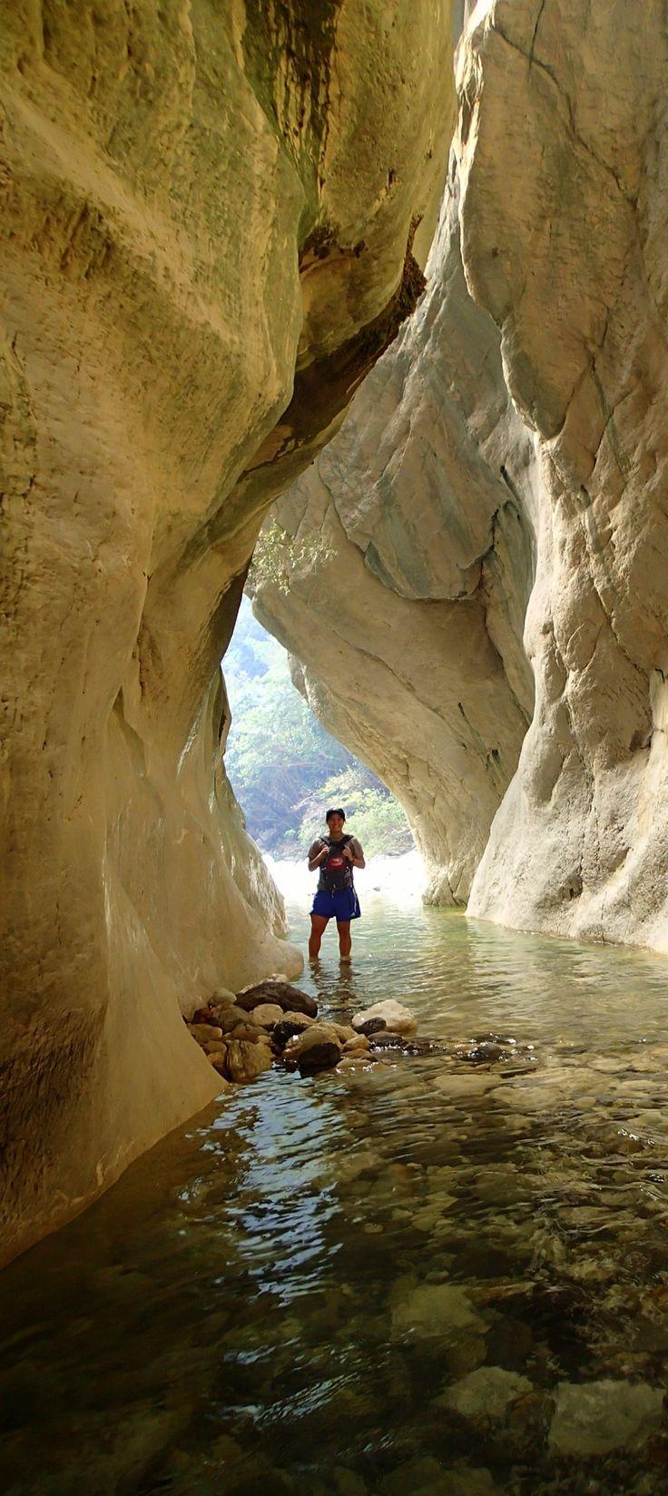 Sawcut Gorge - Isolated Hill Route, Marlborough, NEW ZEALAND