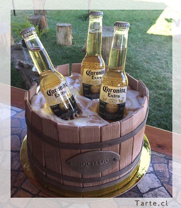Torta de fondant barril de cerveza