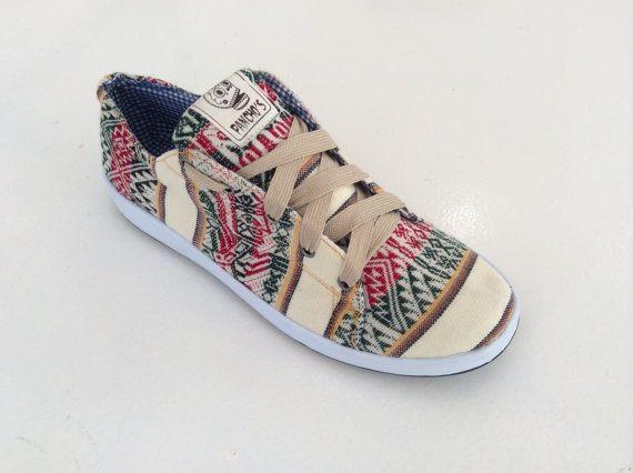 PANCHO'S FOOTWEAR  Men's Cream Low Top Sneakers by PanchosFootwear