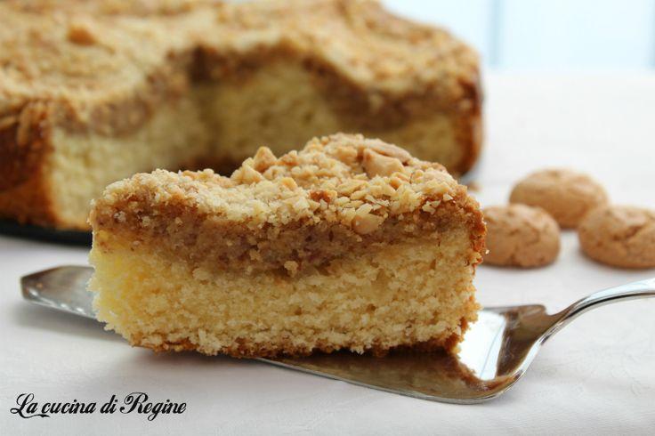 Torta ricotta e amaretti, una torta deliziosa composta da un doppio impasto. Uno morbido al burro e l'altro soffice con ricotta, amaretti e mandorle