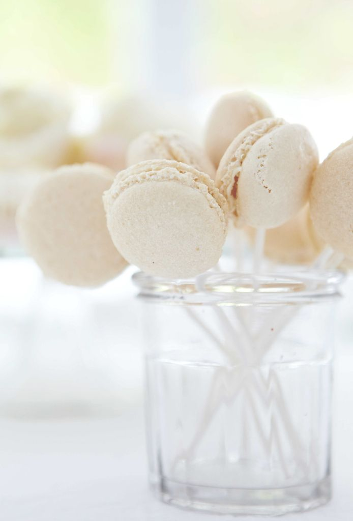 macaroon bianchi - original macaroons.. delicious. <3 <3 (...in the macaroon mood.)