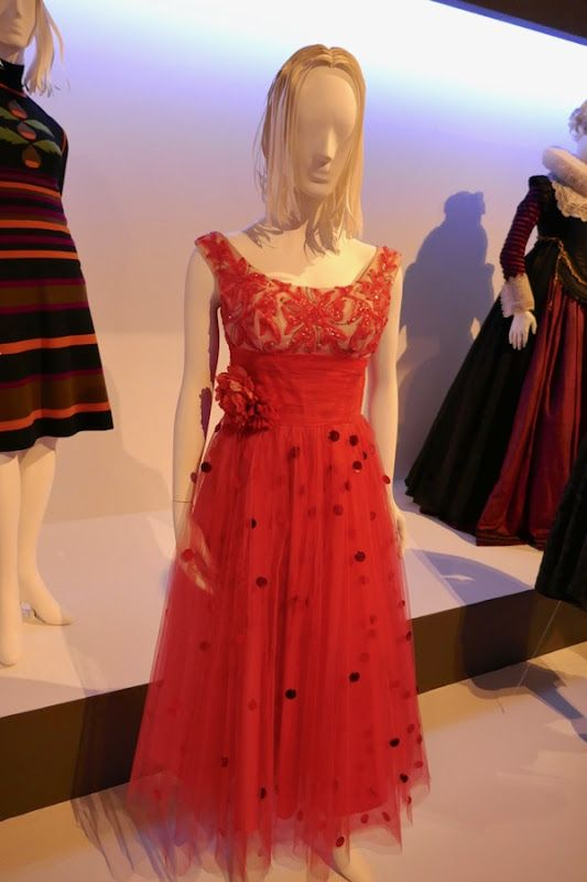 bd13b1419b5e Saoirse Ronan Lady Bird prom dress | Movie costumes & props in 2019 ...