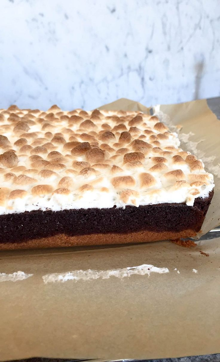 S'mores Brownies! A play on the classic american treat all mixed together with a delicious chocolate brownie!