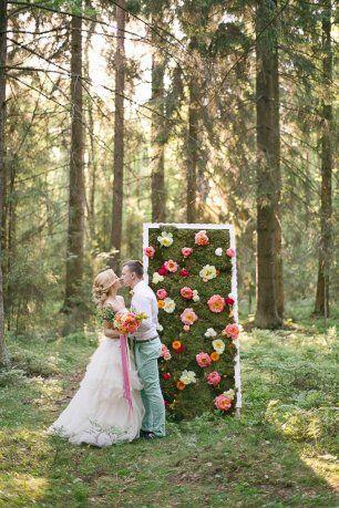 Стена из мха и цветов