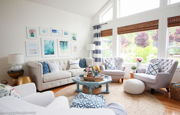 Come tour this beautiful lake house living room and kitchen summer home tour with Country Living at the happy housie-27