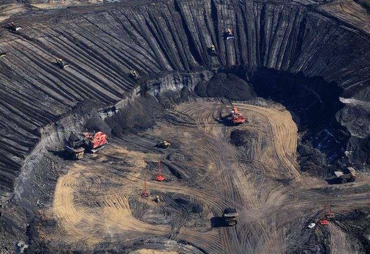 Greenpeace is calling on oil companies and the Canadian government to stop the tar sands and end the industrialization of a vast area of Indigenous territories, forests and wetlands in northern Alberta.