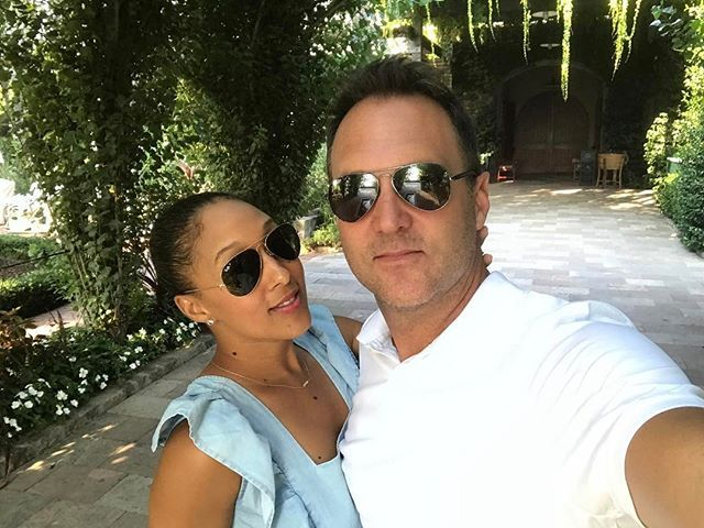 WEBSTA @ tameramowrytwo - A surprise date night. #napavalley #brasswood #caymuswinery