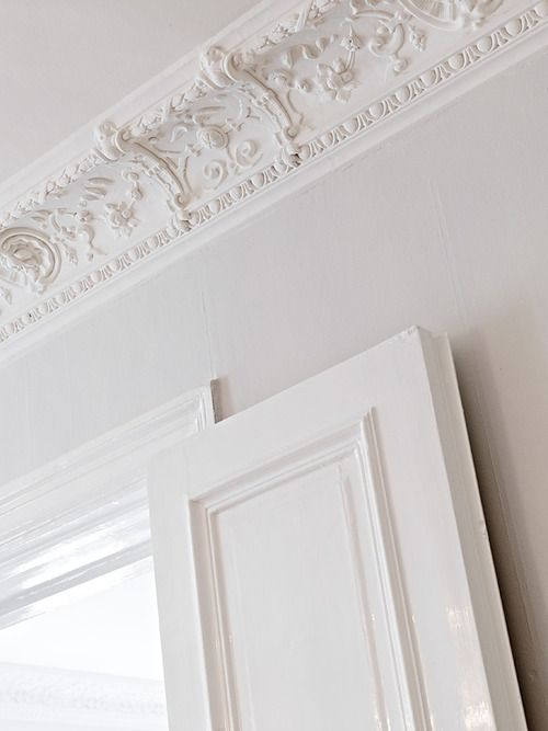 source:Stadshem  ~ beautiful ceiling detail