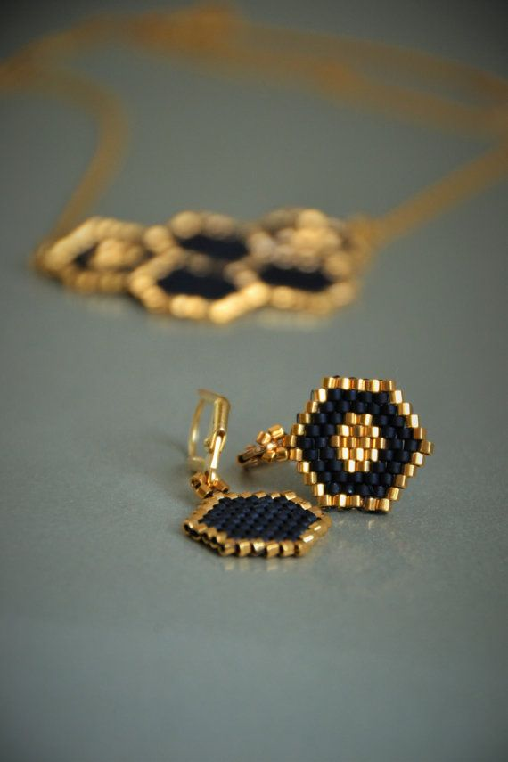 Honeycomb earrings, gold and black colors.  Minimalist style, a piece of summer and honey!  Quality Japanese seed beads and gold plated clasps.