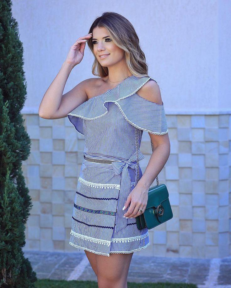 """6,886 Me gusta, 38 comentarios - Blog Trend Alert (@arianecanovas) en Instagram: """"Conjunto listrado @raizzoficial  Azul e branco, sempre uma combinação linda. """""""
