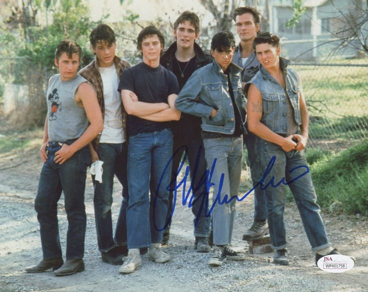 Ralph Macchio Signed The Outsiders 8x10 Movie Photo