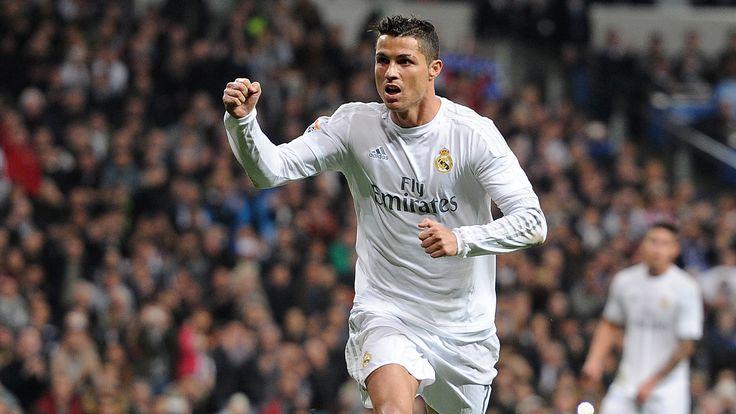 Real Madrid 6-0 Espanyol: Cristiano Ronaldo chạm hat-trick khi khoảng cách gần