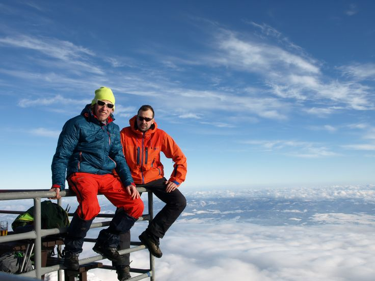 Until to the clouds gets you wear Kilpi. The jackets HASTAR and NESTORE are designed for the most demanding users and for the most extreme weather! See for yourself. ;) Top product jacket HASTAR: http://goo.gl/L1CEyf Down jacket NESTORE: http://goo.gl/tkDD4V #Kilpi #Testedbynorth #Jackets #Nestore #Hastar #Top #Topproducthastar #Clouds