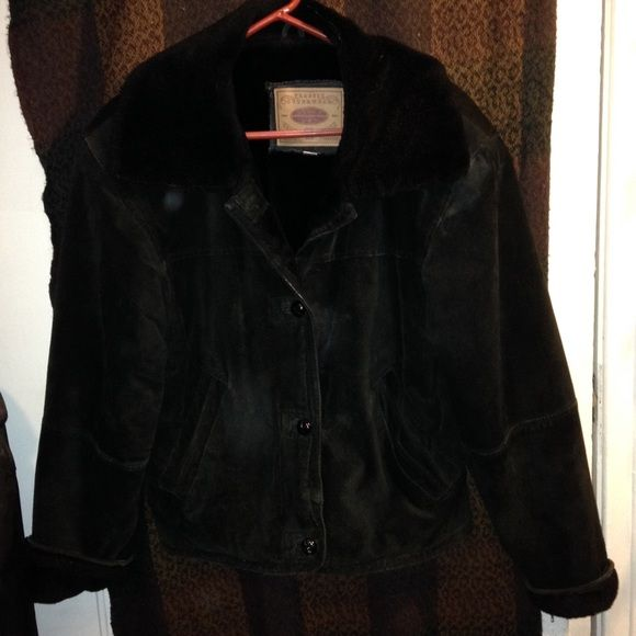 CLEARANCE ITEM: Women's Leather Winter Jacket (S) Incredibly warm and sporty black leather winter jacket by Lucky Lee. Jacket has faux fur collar and lining. Size Small. Nonsmoking home. Lucky Lee Jackets & Coats