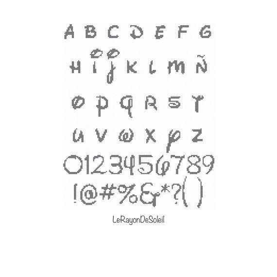Cross stitch pattern alphabet font DISNEY PDF di LeRayonDeSoleil