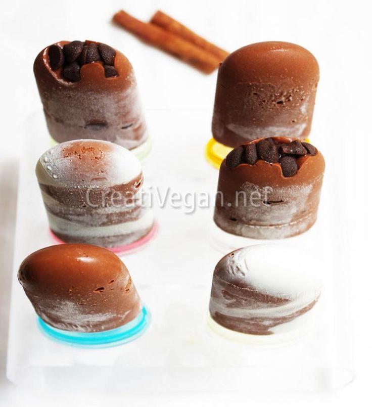 Chocolate mousse popsicles - Polos de mousse de chocolate vegana (in Spanish with translator) Popsicles, Sorbet, Vegan Recipes, Vegan Food, Panna Cotta, Gluten, Pudding, Ice Cream, Sweets