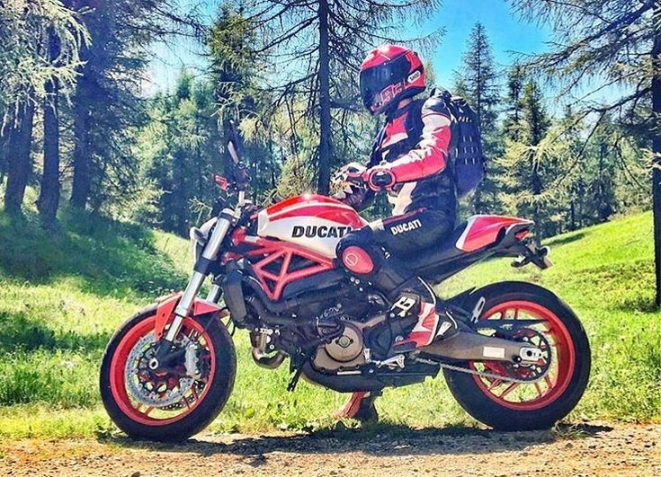 Ducati Monster 821 @a_martn  #ducati #ducatimonster #ducaticlub #ducatilife #ducatilove #ducatimotor #ducatigram #ducaticorse #ducatisti #ducatista #ducatipeople #moto #motorcycle #motorcycles #motolife #ducatimonstergram #ducatimonster #ducatimonster821 #monster821 #ducatimonster1200 #ducatimonster1200s #ducatimonster1200r #monster1200 #iride #bikeporn #bikelife #bikeride