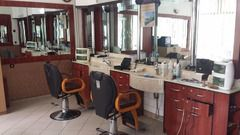 Spatiu frizerie dotat modern