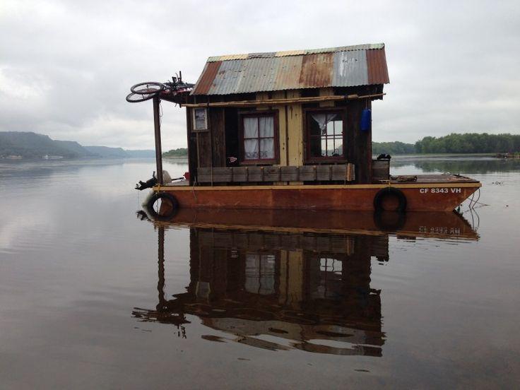 Secret History Shantyboat near Lake Pepin 3