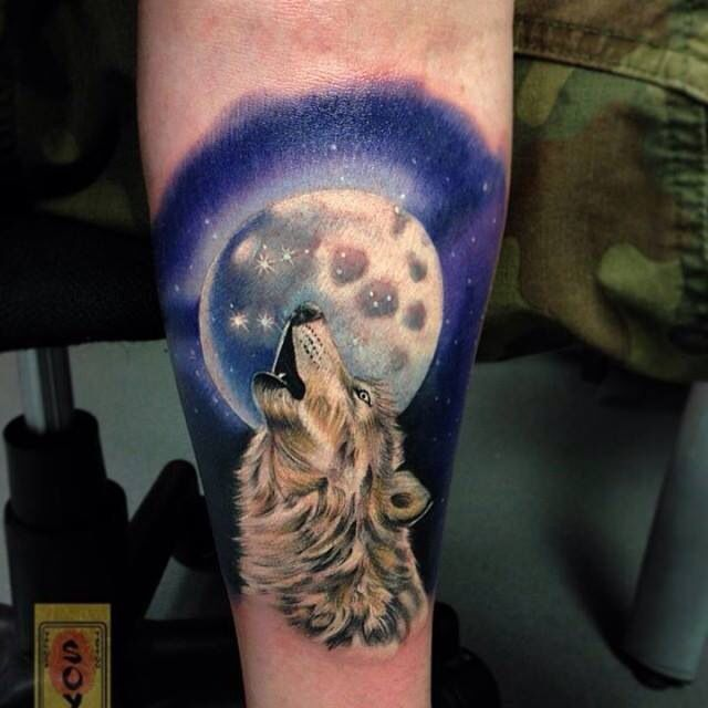 Wolf howling at the moon tattoo | Tattoos | Pinterest ...