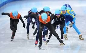 There are a lot of skaters on the ice during the 5000m men's relay speed skating race!  #Sochi 2014 #Olympics