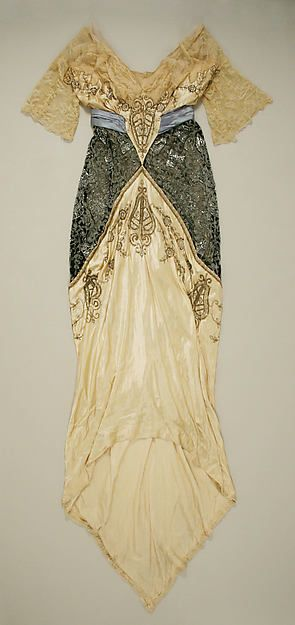 Evening dress Date: ca. 1914 Culture: American Medium: silk Dimensions: Length at CB: 92 in. (233.7 cm) Credit Line: Gift of Mrs. Edwin Stewart Wheeler, 1956