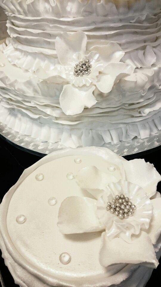 Svatební z jogurtové pěny s malinami
