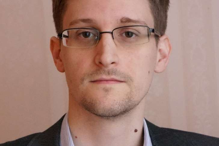 Edward Snowden Unpopular at Home, A Hero Abroad, Poll Finds - MSN NEWS #EdwardSnowden, #US