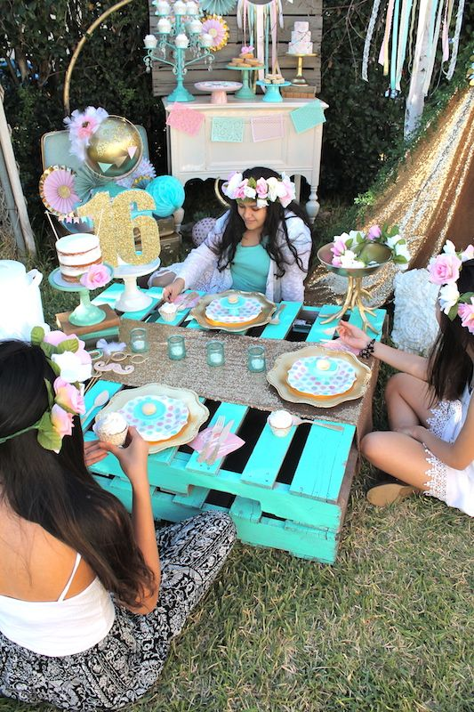 Boho sweet 16 birthday party by laura aguirre colors for Decoration theme jardin