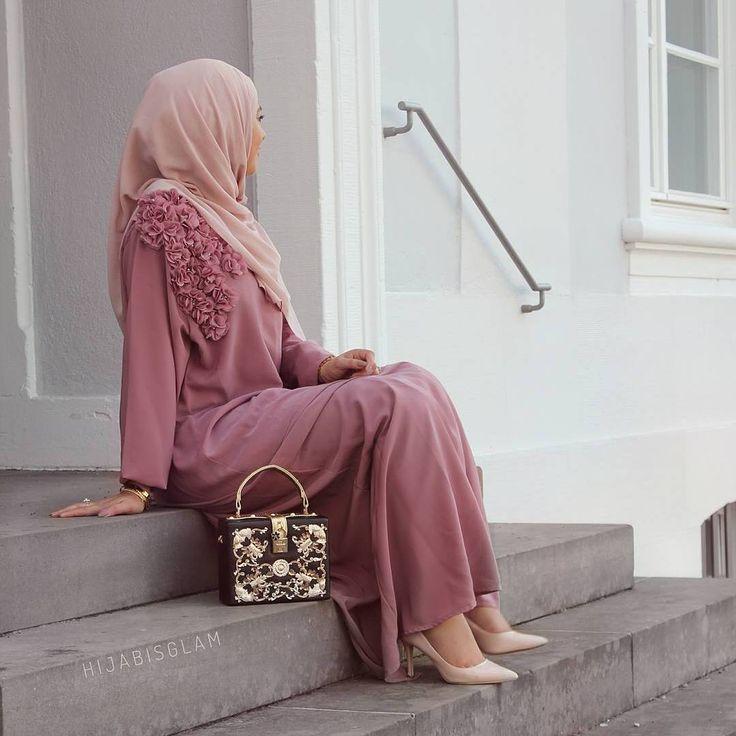 "4,656 Likes, 9 Comments - Hijab Fashion Inspiration (@hijab_fashioninspiration) on Instagram: ""@hanifah.f"""
