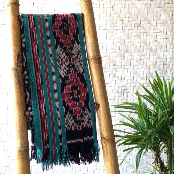 IJO / Ikat Wall Hanging, Ikat Blanket, Ikat Throw, Boho Home Decor, Ikat Home Decor, Bohemian Rug, Green Home Decor 200cm x 100cm