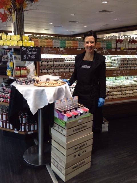 Here's our Nettie (of Raspberry Jam fame) sharing our new Cheeseboard Paste Pots at Tony & Mark's last week. People are absolutely loving these little pots! http://bit.ly/1WJU9xF #Beerenberg #BeerenbergFarm #CheeseboardPastePots #Tastings #AustralianMade