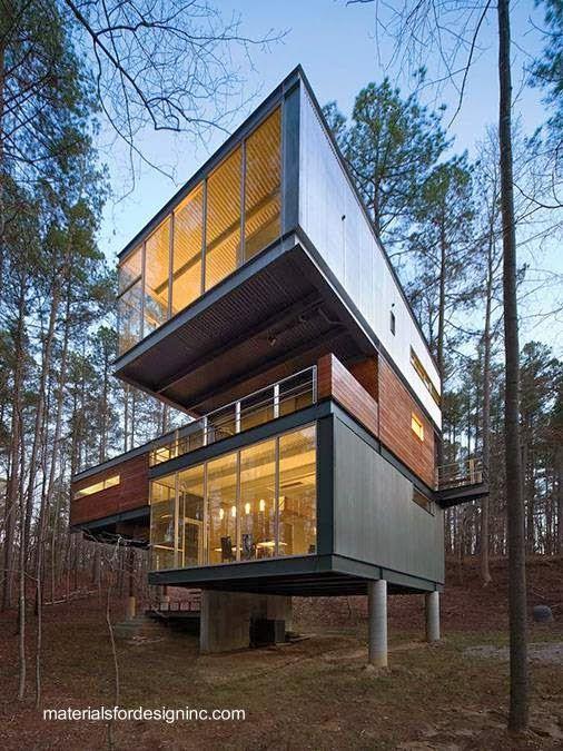 Arquitectura de Casas: Casa residencial de metal con fachadas de chapas y madera.