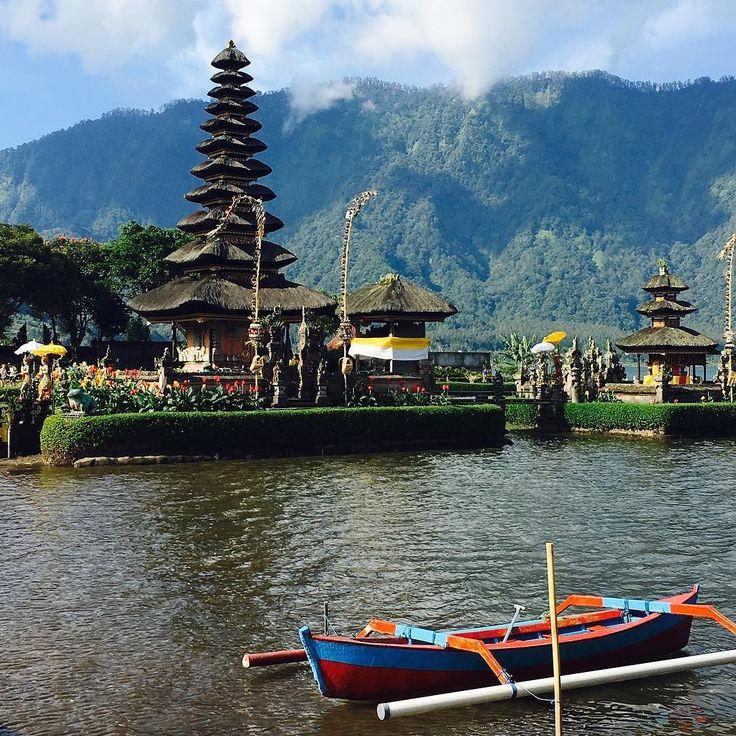 #bali #ulundanu #indonesia #travel #traveler #traveling #tbt #instacool #holidays #instatravel #polishblogger #vacation #takemeback travel traveling traveler holidays vacations