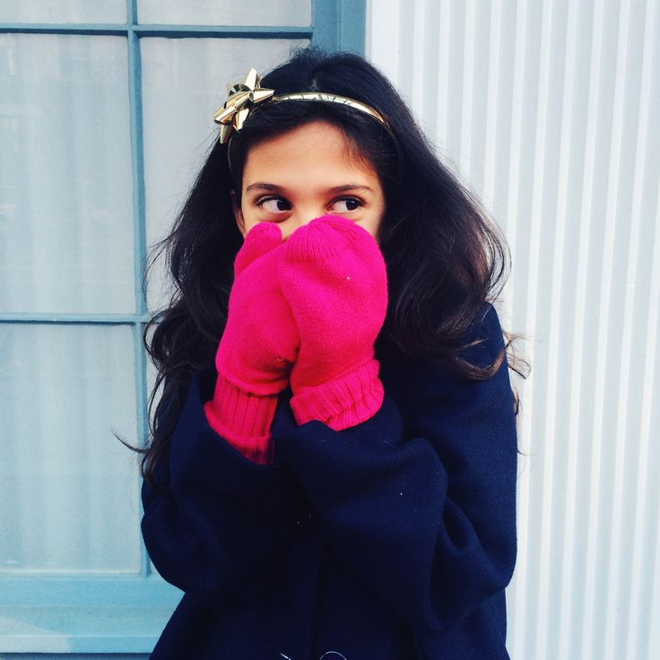 #imagineyourholiday in hot pink mittens from @katespadeny for GapKids!