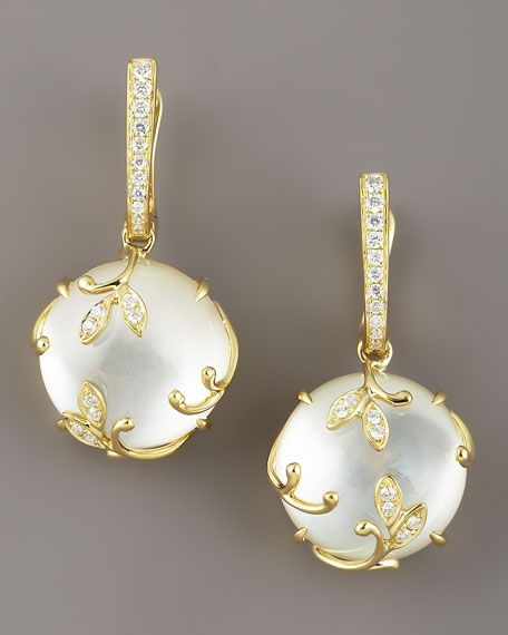 A delicious pair of yellow gold and pearl earrings by Frederic Sage.  It makes me so happy to know that yellow gold is popular again!  The softness of pearls paired with the warmth of gold is so feminine... It reminds me of my mother.