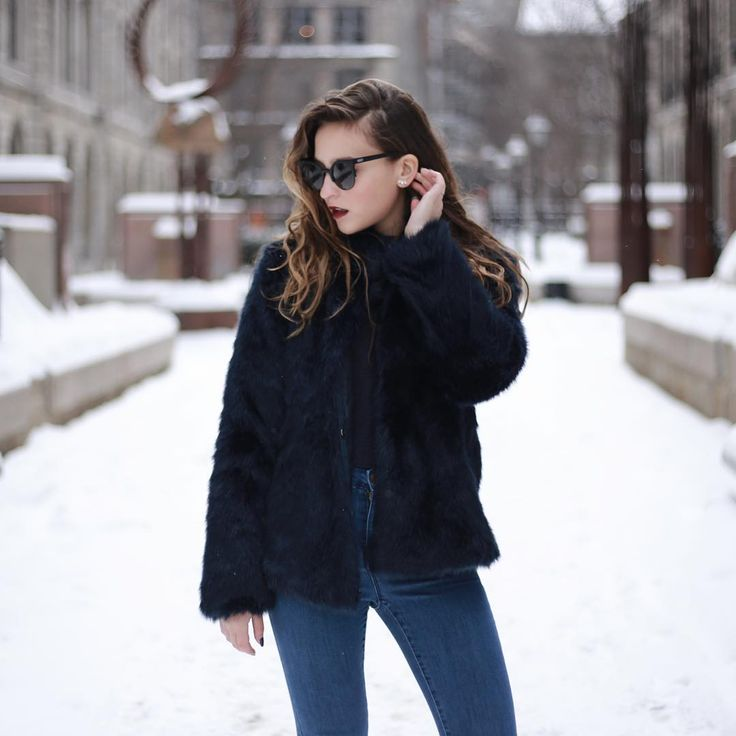 CASSIDY NEVES sur Instagram: Love how this faux-fur @veromodacanada coat instantly elevates one of my house party looks for the holidays 💙 #veromoda