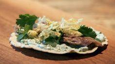 Tortilla's met makreel en koriander-limoensaus
