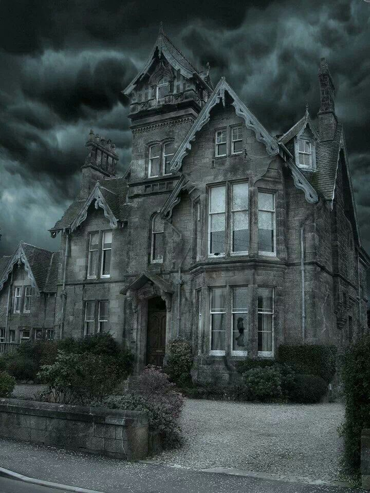 25 best ideas about haunted houses on pinterest for Pinterest haunted house