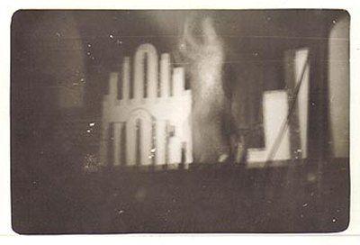 paranormal00z13.jpg (400×272)