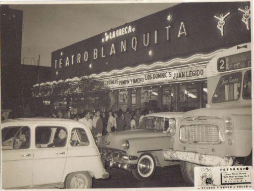 Imagen del famosisimo Teatro Blanquita, sobre la Avenida San Juan de Letran, hoy Eje Central Lázaro Cárdenas, en pleno Centro Histórico. Foto tomada probablemente a mediados de la década de los 70's.