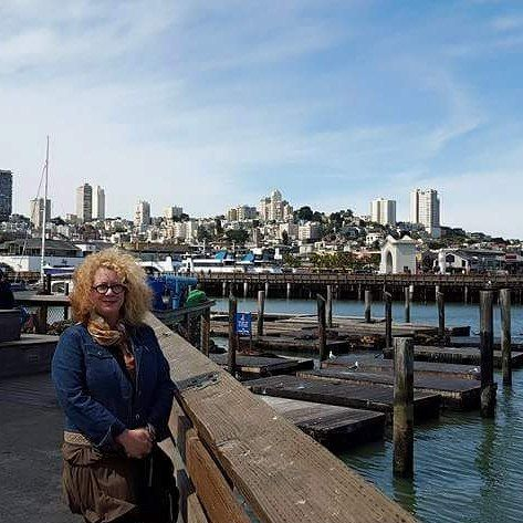 Me in San Francisco on a very windy day. Adore that city! Environments like the choppy Pacific Coast (unlike the placid Gulf of Mexico where I live) get my creative juices going! After this inspiring trip I created over a dozen paintings. #sanfrancisco #rockybeach #goldengate #pacificwaves #pacificoceanart #artprints #oceanart #surfinspired #mcgawgraphics #grandbohemiangallery #margaretjuulwaterscapes #margaretjuul