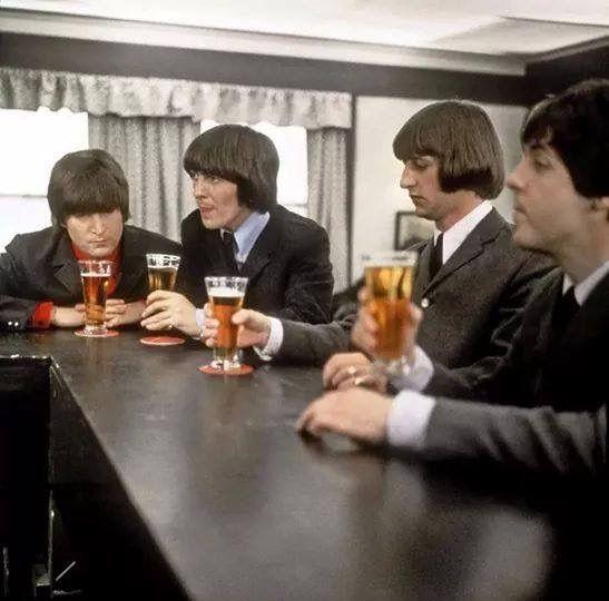 @hardtosayno   28th April 1965. The Beatles film the bar scene at Twickenham Studios for 'Help!'