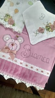 LOY HANDCRAFTS, TOWELS EMBROYDERED WITH SATIN RIBBON ROSES: CONJUNTO PARA A BIANCA