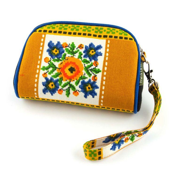 Handig mini tasje Paula van Huisteil creaties, gemaakt met retro stoffen. ✓ Voor 21.00 uur besteld, morgen in huis!