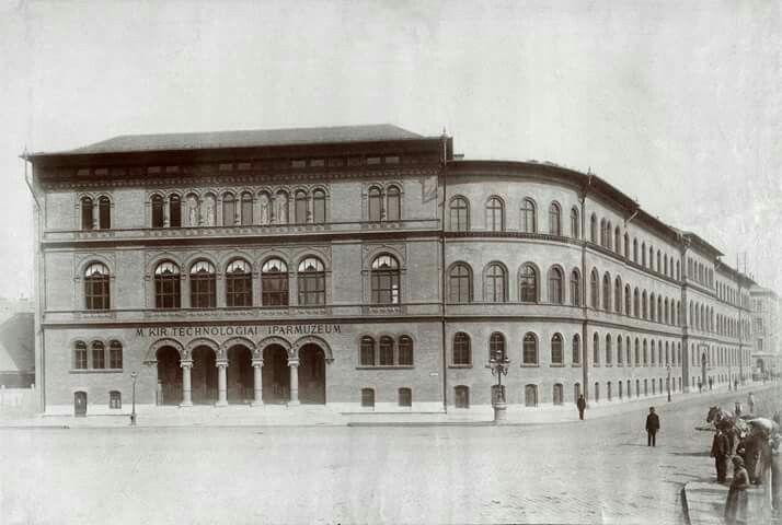 1889. Magyaar Kiralyi technológiai iparmúzeum a József körút és Népszínház utca sarkán