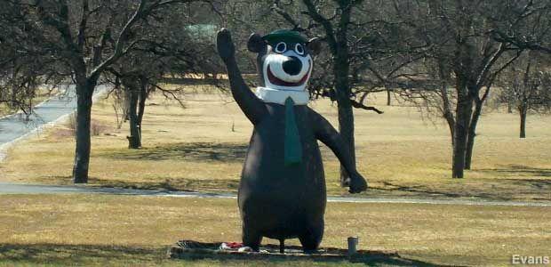 Mineral Wells, TX - Large Yogi Bear Statue